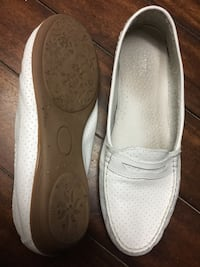 White shoes flats leather  Eu size 41  would fit size 10, wide Kitchener, N2A 2R2
