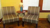 2 chairs like new non smoking home n table Groves, 77619
