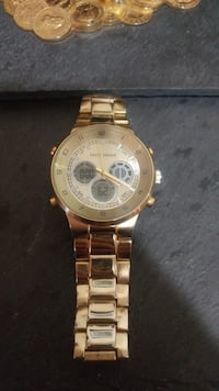 round gold-colored chronograph watch with link bracelet Mississippi Mills, K0A 1A0