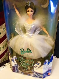 Swan Lake Barbie in the box / Collectors edition very classy pretty never opened . Alexandria, 22311