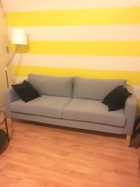 Couch New York, 11237