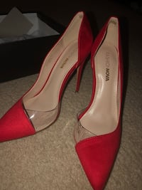 Red pumps  Frederick, 21704