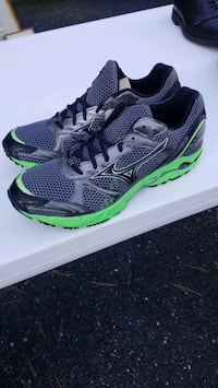 Mizuno mens running shoes size 11 with tags, never worn Hummelstown, 17036