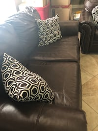 Leather sofa and loveseat Franklin, 37067