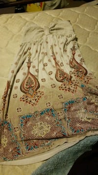 brown and white floral textile Chehalis, 98532