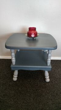 Vintage Gray Two Level End/Side/Accent Table Mesa
