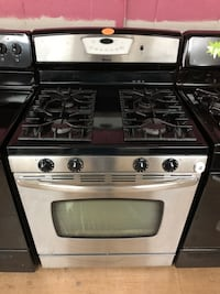 Maytag amana stainless steel gas stove  Woodbridge, 22191