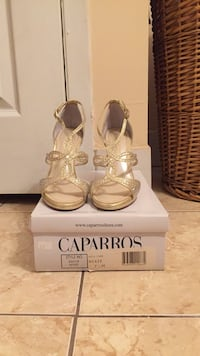 Size 7.5 Shimmery Gold Sandals with Rhinestones New Brunswick, 08901