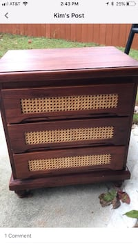 Small 3 drawer nightstand 522 mi