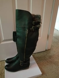 4- *NEW* Different Color Boots size 9W Madisonville, 42431