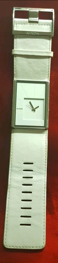 """NIXON """"The Motif"""" PICTURE PERFECT Water Resistant Watch Cambridge, N1S 4Z3"""