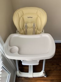 Baby's white and beige high chair New York, 10312