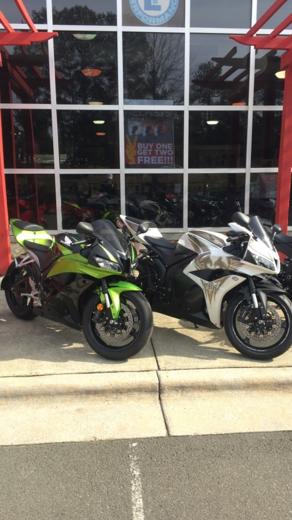 Used White Or Green 09 Cbr600rr Super Sports Only 8000 Miles For