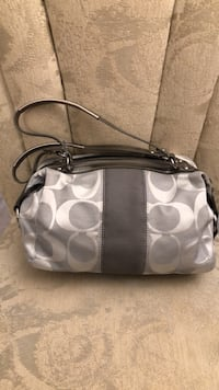 monogrammed white and gray Coach leather crossbody bag Holbrook, 11741