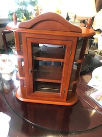 $30 vintage wall display cabinet with glass doors and glass at the back.  Hamilton, L9A 1T3