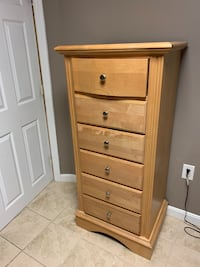 Changing table and dresser Burlington, 01803