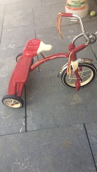 Red and white radio & flyer trike