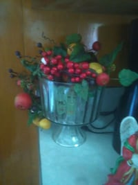 green and red flower decor Greeneville, 37743