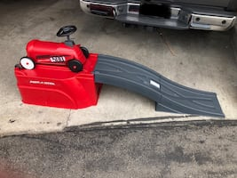 Radio Flyer Flyer 500 Ride-On with Ramp