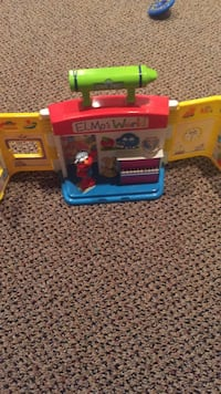 Sesame Street Elmo's world portable play house with sounds, Elmo character and batteries. Vaughan, L4J 5L7