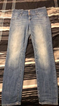 High waisted jeans Size: 12 1701 mi