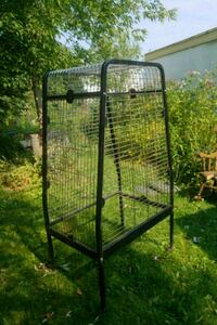 black metal framed pet cage Golden, V0A 1H2