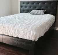 New Black Tufted Pattern Queen Bed  Silver Spring