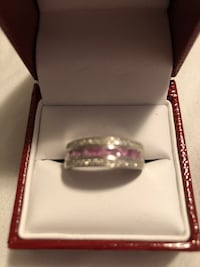 Gorgeous pink sapphire and diamond ring