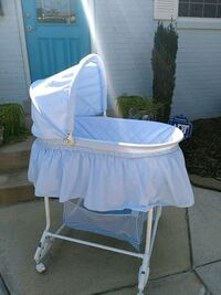 Bassinet on wheels Woodbridge, 22192