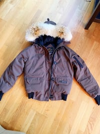 Authentic Canada Goose (Brown)(Adult S) Toronto, M5V