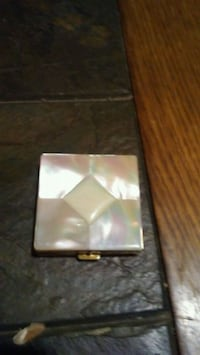 Vintage Marhill Mother of Pearl Compact Henderson, 89015