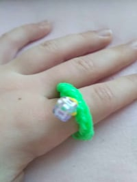 Loomband Ring mit Buchstaben R Hannover, 30419