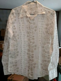 white and brown floral long sleeve shirt Maple Ridge, V2X 7W5