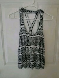 Black and white tank top Puyallup, 98375