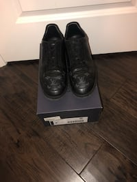 Louis Vuitton canvas shoes size 10 Mississauga, L4Z 1V1