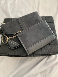 Coach  wristlet and coin purse Richmond, V7C 4C1