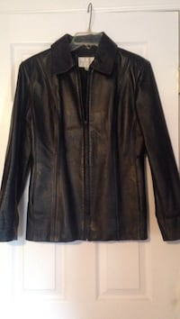 Black leather zip-up jacket size small Sterling Heights, 48313