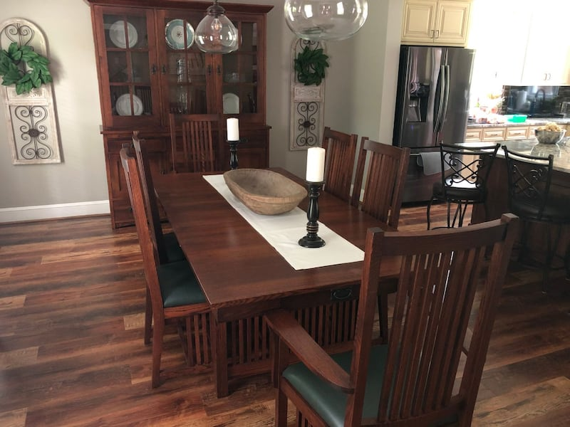 Mission Dining Table and Chairs 66e25563-7c90-486b-9273-5ee118528441
