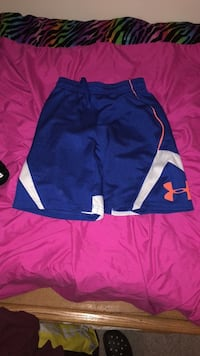 Youth Large Under Armour Shorts 203 mi