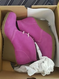 Dr. Martens Gum sole Chunk booties  Milwaukee