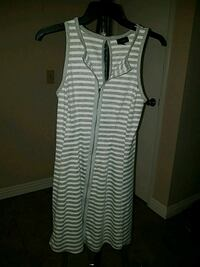 White and black stripe Beach dress, size XS Cathedral City, 92234