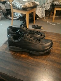 pair of black leather shoes size11good shape 1.50 Cheyenne, 82001