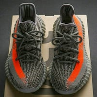 pair of beluga adidas Yeezy Boost 350 v2 39 km