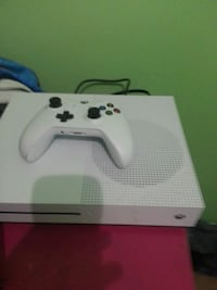 white Xbox One s console with controller 418 mi