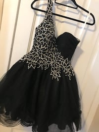 SHERRI HILL PROM DRESS NEVER WORN