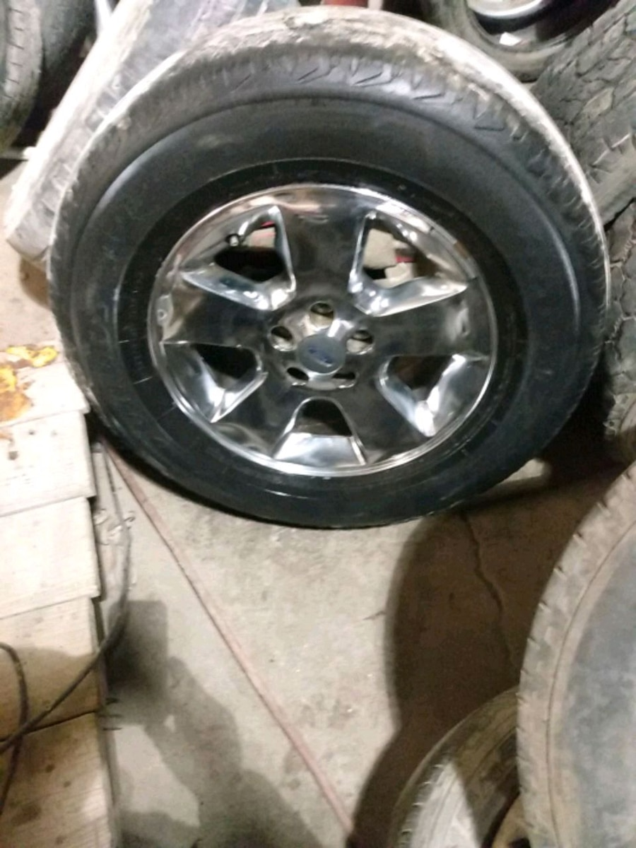 Photo Four 17 inch Ford rims and tires