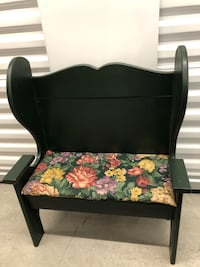 Child's wing back bench w/padded seat.
