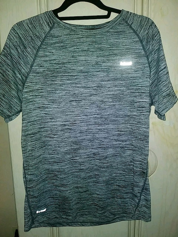 Used gray and black crew-neck t-shirt for sale in San Jose - letgo 42e2d22c9