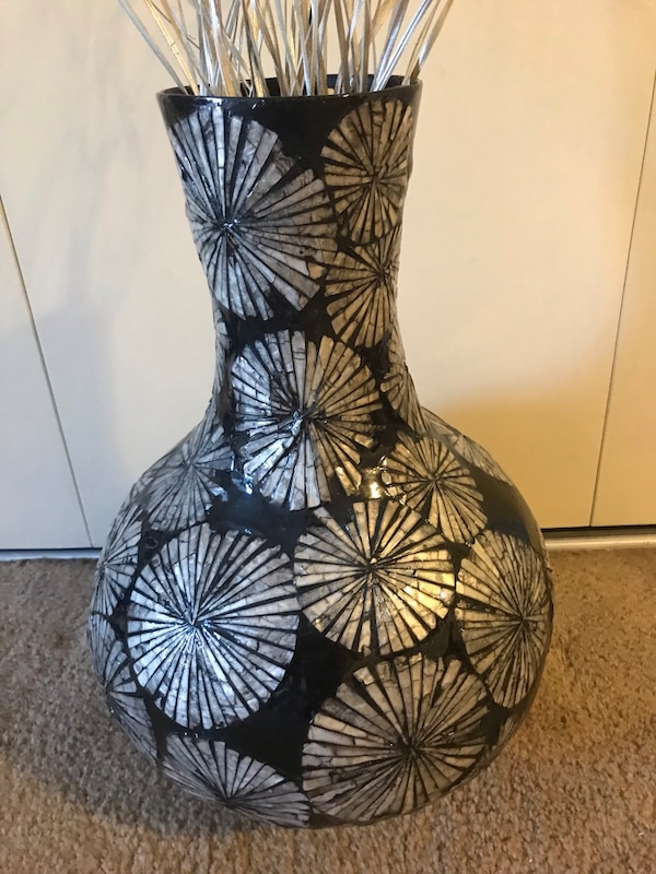 "24"" mosaic vase free bamboo sticks click on my emoji profile picture for more listings interested message me pick up in Gaithersburg Maryland 20877 all sales final"