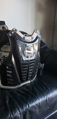 Shift chest protector xl adult